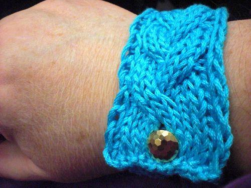 Cable bracelet1