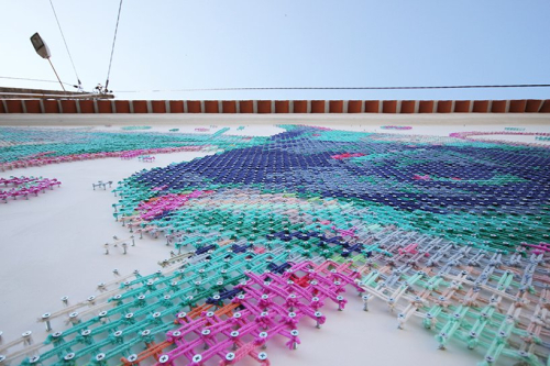 Aheneah-cross-stitching-streetart-8